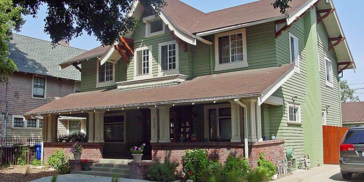 30c Corelyou House - 2650 Van Buren Ave - Craftsman (E